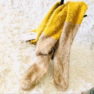 🛍Free People || Fuzzy Cozy Soft Socks